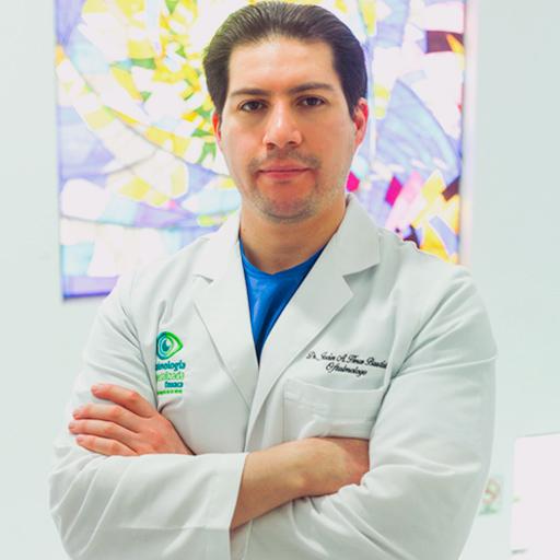 Dr. Javier Abacuc - Especialista en Cirugía Láser de Ojos en Oaxaca